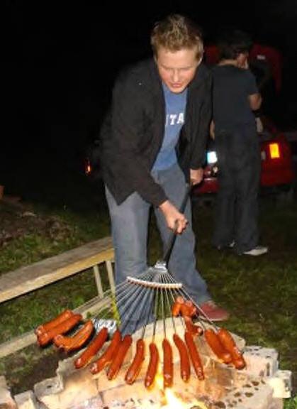 Hot dog rake